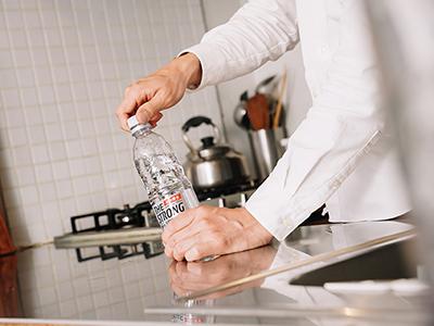 在宅ワークのパフォーマンスが大幅アップ!「合間に強炭酸水」の新習慣とは?